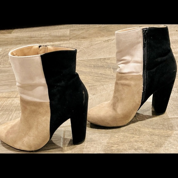 Women's Boots, Size 7